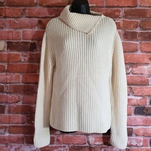 DKNY  Women's Cream knit Sweater Size M 96% Wool